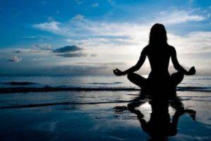 ¿Puede el yoga prevenir enfermedades como el Alzheimer?