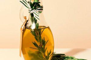 Beneficios de aceite de romero para la piel ,cabello y la salud