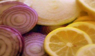 Remedio con cebolla y limón para sacar la flema