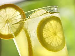limon agua beneficios salud