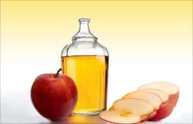 Remedios caseros para un cuero cabelludo que pica: Apple Cidel Vinagre