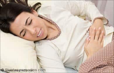 Los síntomas de los parasitos intestinales: dolor de estómago