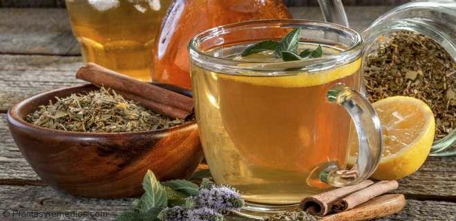 Bebida con miel y limón para bajar de peso