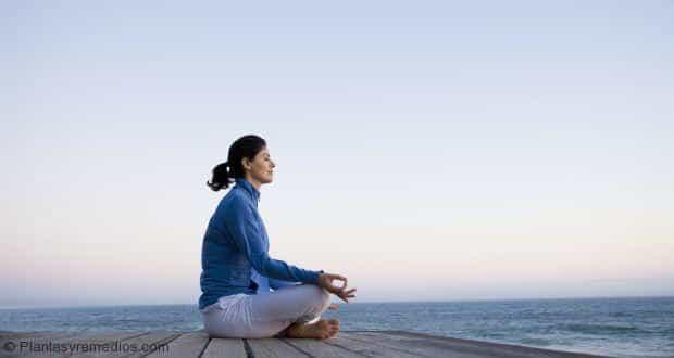 Posiciones o posturas de yoga para reducir los sintomas de la diabetes