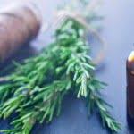Aceite de romero tratar el acné y las cicatrices