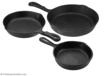 Usar ollas de hierro fundido para cocinar , así subir los niveles de hierro en la sangre