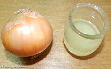 Jugo de cebolla remedio para el cabello con mal olor
