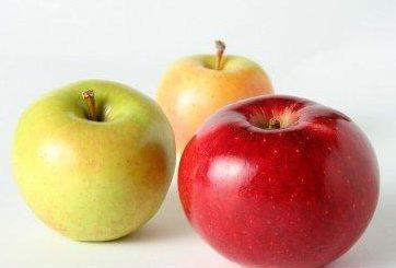 Usar manzanas para la infección la encías