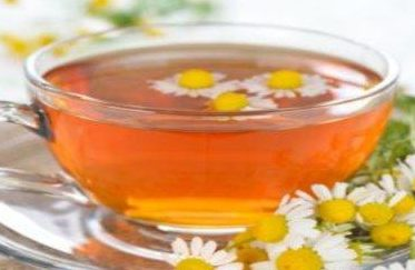 Te de manzanilla es bueno para las infecciones en las encías y boca