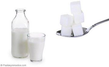 Tratar la vaginosis bacteriana usando leche y el alcanfor