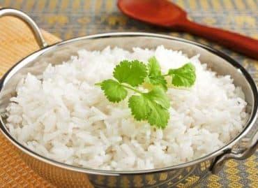 comer arroz blanco para tratar la diarrea
