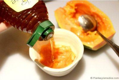 mezcla de papaya y miel para el bronceado